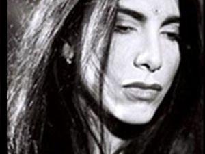 stephend, une chanteuse française d'origine gitane avec sa voix grave qui part s'établir au québec