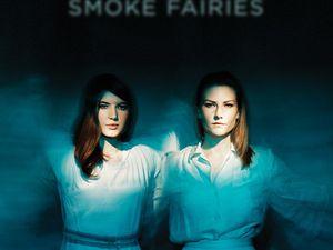 smoke fairies, un duo de jeunes anglaises formé par katherine blamire et jessica davies, des guirlandes vocales
