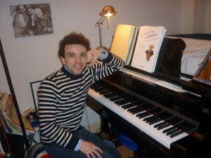 damien luce, le frère de renan luce lui-même musicien classique, écrivain et comédien