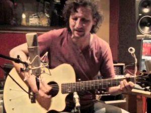 john wesley, surtout connu pour avoir été le guitariste live de porcupine tree, collaborateur de mike tramp (ex white-lion) et l'auteur de 9 albums solo