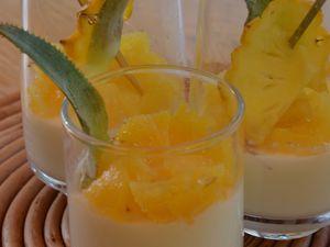 'Panna cotta' basilic et compotée d'ananas