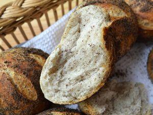Petits pains au levain et et pavot