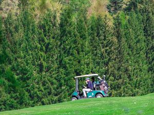 Photos: Une partie de golf en Suisse (15/04/14)