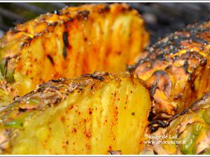 Ananas &quot&#x3B;qui pique&quot&#x3B; cuisson Barbecue BBQ