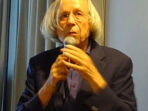 Hans HERTH,  un conférencier hors pair, une salle attentive