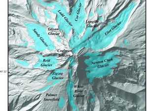 On the left, the glaciers of Mt. Hood - doc from Lidar data / USGS - right risk map - Doc USGS - A click to enlarge