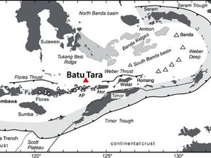 Geographic anc tectonic situation of Batu Tara volcano - a clic to enlarge - doc GVP