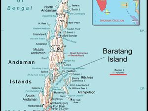Location Barren island (underlined in red) - Simplified Geomorphology of Barren island - doc.GSI - one click to enlarge