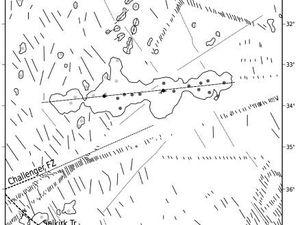La Dorsale et l'archipel Juan Fernandez, structures émergées et seamounts - un clic pour agrandir
