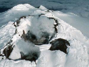 Bristol island - le cône Sourabaya - tectonique au sud d'Ushuaïa - carte de l'île - un clic pour agrandir