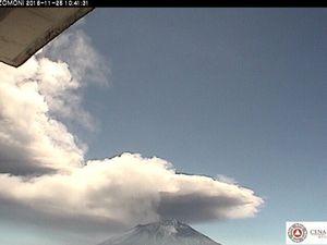 Popocatépetl - explosion du 25.11.2016 à 10h22 & 10h41 - un clic pour agrandir - webcams CENAPRED