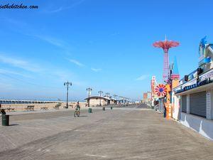 Le Hot-Dog de Coney Island {Sauce Chili}