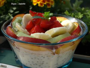 Chia pudding aux fruits de saison. (Version anniversaire)