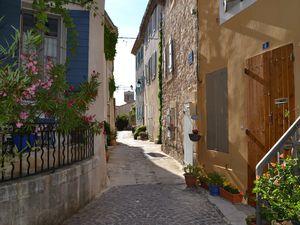 Ventabren ou le charme provençal .