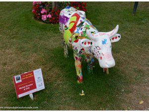 Oh la Vache !... La Cow Parade fait son cinéma à Deauville