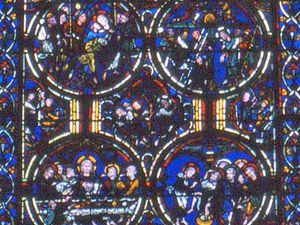 En haut, 3 vitraux de la quatrième chapelle : Saint Laurent - Saint Etienne - Saint Vincent. En dessous, à gauche : La Passion - à droite : l'Apocalypse.