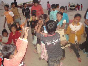 Visarjan, danses des enfants.