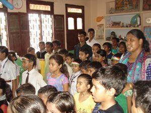 Fête de l'Indépendance : spectacle organisé par les enfants.