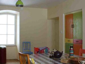 Cuisine, salon et chambre