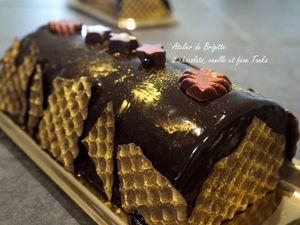 Bûche aux 2 chocolats, vanille et fève Tonka