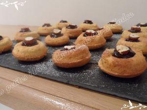 Mini-savarins fourrés au chocolat