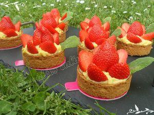 Tartelettes sablées pistache et fraises