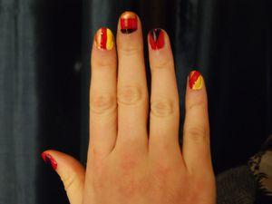 Tutoriel nail art scotch demoisailesfaitdesrevvues.over-blog.com