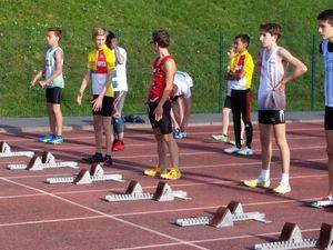 CIRCE au concours de perche et LOUIS au départ du 50m
