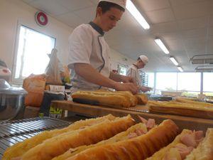 Chacun a confectionné son pain pour ensuite procédé au montage de ses produits.