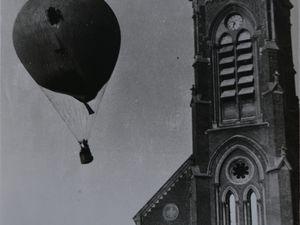 Le maire d'Aniche Jules Domisse à bord du ballon accidenté lors de la fête de la Saint-Laurent, le 20 août 1933.