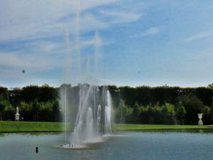Jeux d'eau sur la bassin du Miroir