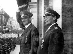 Le jeune Lieutenant Goering - Hermann Goering et Adolf Hitler