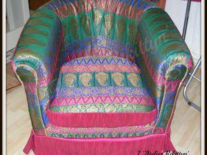 2014.08.23 - Crapaud pour Maharadjah : rehoussé entièrement en soie indienne unie et soie brodée