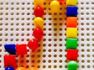 """Dessin de chaussette de noel, et de chaussette de Noël """"coloriée"""", algorythme de couleurs,"""