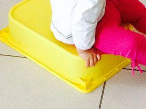 Le jeu des casiers (avec des enfants de moins de trois ans)