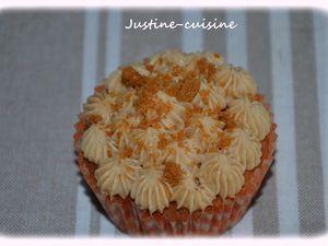 Cupcake au speculoos, coeur framboise