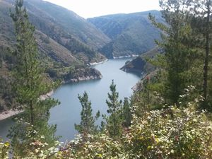 pour construire ce barrage il a fallu réaliser un téléphérique de 37 km