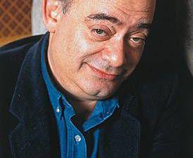 Les deux auteurs: Jean-Michel RIBES (metteur en scène et directeur du théâtre du Rond-Point à Paris) et Roland TOPOR (illustrateur, peintre, chansonnier, acteur et écrivain, décédé en 1997)