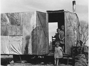 On Arizona Highway 87 par Dorothea Lange&#x3B; Dallas, 1936