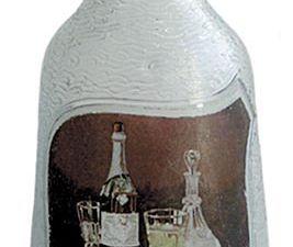 Carafe recto verso. Coll. Normand. Ces carafes de la Maison de Montreuil se situent entre 1927 et décembre 1928.