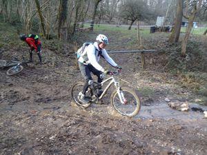 la descente sur Saverne: des singles roulants, et aussi un peu de boue ...   :)