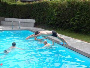 Après le repas on continue jusqu'à Bellefosse, où l'arrêt à la piscine nous permet de bien nous relaxer