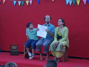 """Jonglage et origami: """"je suis venu vous raconter une histoire"""", par Mattia"""