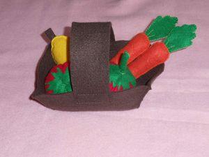 Panier de fruits et légumes en feutrine