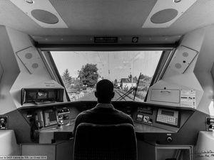 Reportage pour la SNCF dans une cabine de TER centre entre Tours et Amboise en région centre. Par Olivier Pain reporter photographe à tours en région centre