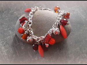 Un bracelet rouge orange , couleur du sud !!
