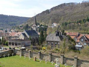 Entre le temple protestant et le cimetière à Algrange