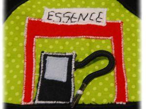 Un tapis pochette circuit de voiture pour EDJO