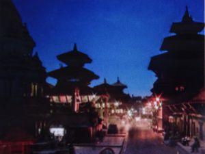 """Photos """"atlantico.fr""""  ---le site historique de Durbar Square à Kathmandu avant et après le séisme"""