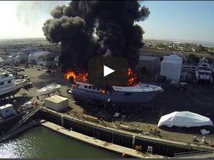 Vidéo - un drone filme un yacht de 24 millions de dollars détruit par le feu